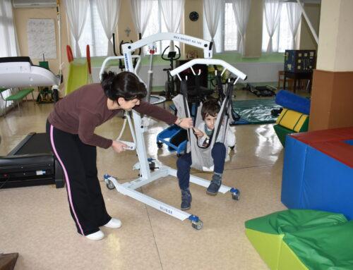 """Нов уред за рехабилитация на деца с увреждания в център """"Милосърдие"""""""